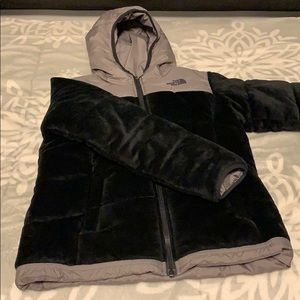 Black North face puffer coat